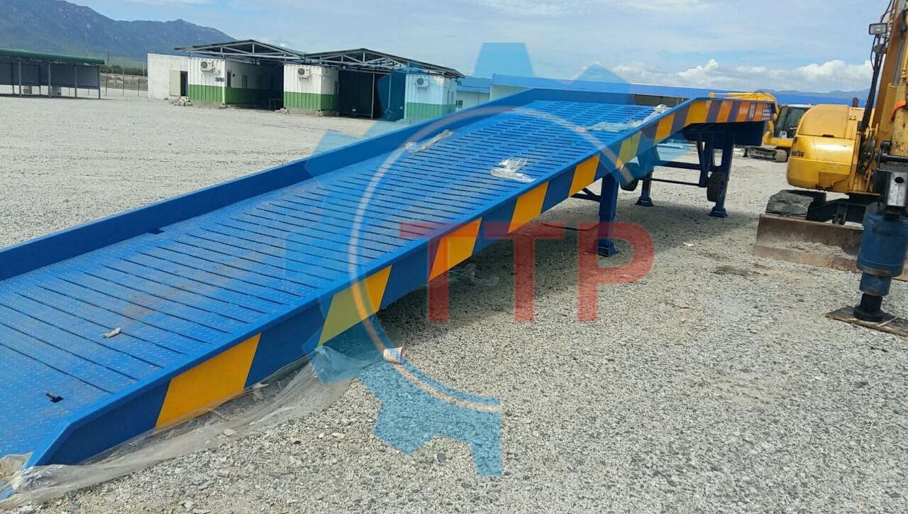 Cầu xe nâng container