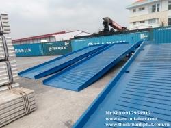 Cầu cho xe nâng dẫn hàng lên container