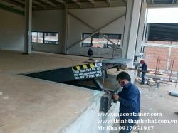 Sàn nâng cơ khí kéo tay (Mechanical dock leveler)